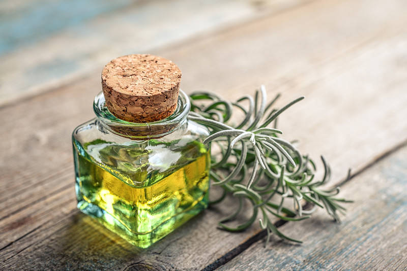7 of the best essential oils for headaches and migraines